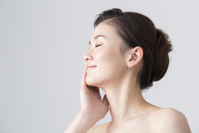 しみ・くすみなどの肌トラブルを効果的に解消します